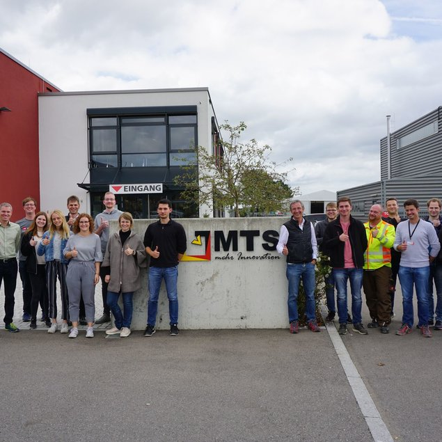 Gruppenbild Exkursion zu MTS Schrode in Hayingen